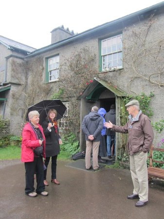 Driver Guide Tours: Beatrix Potter's house, Hill Top in the Lake District