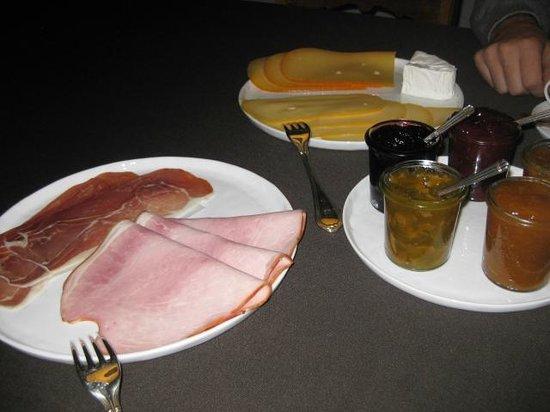 Huyze Weyne: Breakfast