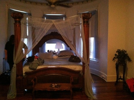 Herron House Bed and Breakfast :                                                                         Master suite