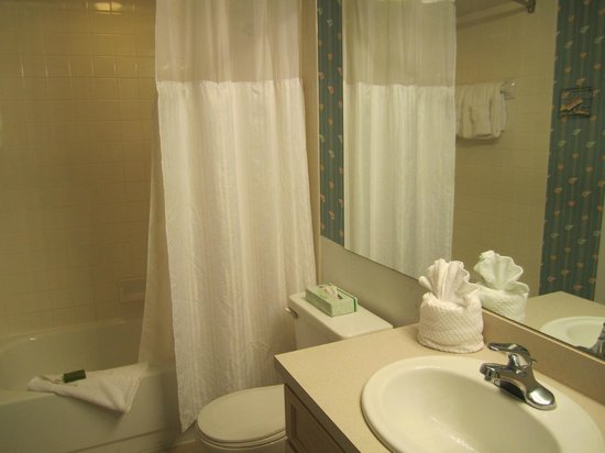 Ocean Pointe Suites at Key Largo:                   Second en-suite