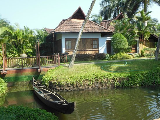 Kumarakom Lake Resort :                                     klr