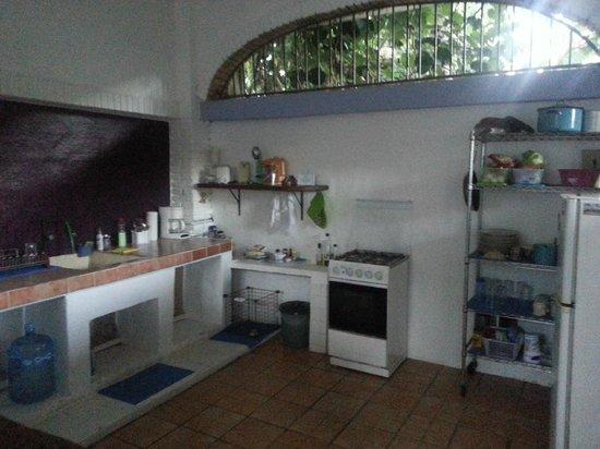 Paraiso Yoga:                   kitchen!