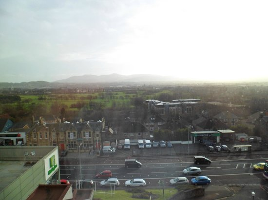 Holiday Inn Edinburgh: view of Pentlands, nice, and great soundproofing