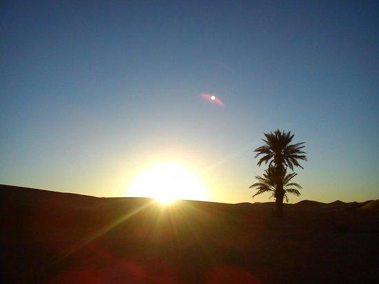 L'Homme Du Desert: sun set