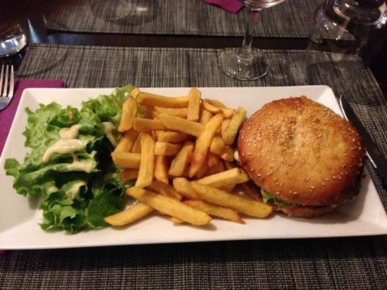 Eleven Bar Restaurant:                   Best burger in Lyon