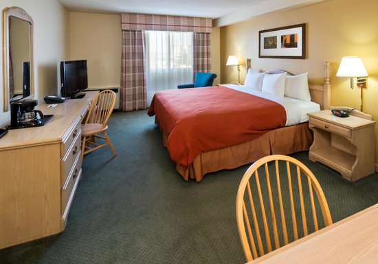 Country Inn & Suites By Carlson, Winnipeg, MB: Standard Room 1 King