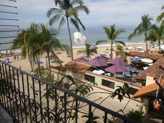Playa Los Arcos Hotel Beach Resort & Spa: they call it a street view or an ocean view, depending on if you paid for the upgrade...