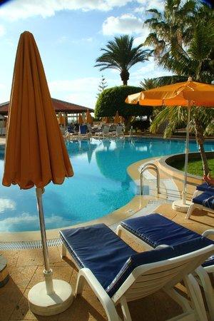 Spring Arona Gran Hotel:                   Pool