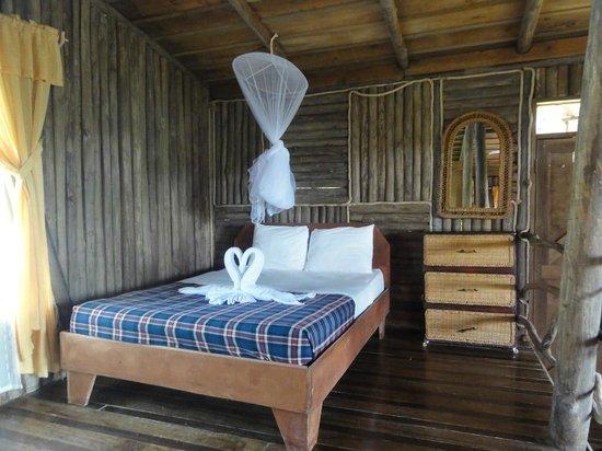 Pedacito de Cielo:                   Bed in Bungalow
