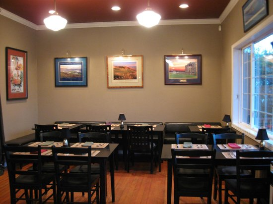 Maple Street Grille: Dinning Area