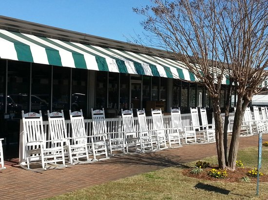 Lane Southern Orchards: Rocking chairs out front