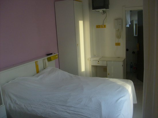 Hotel California Rimini:                                     Room