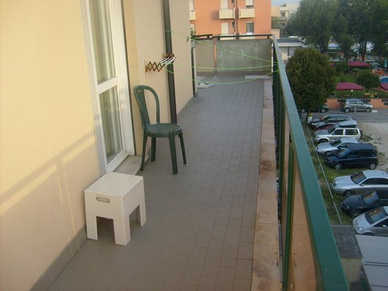 Hotel California Rimini:                                     Terrace, balcony