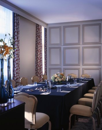 Le Meridien Dallas, The Stoneleigh: Stewart Meeting Room