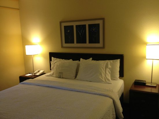 SpringHill Suites Pensacola Beach: Bedroom