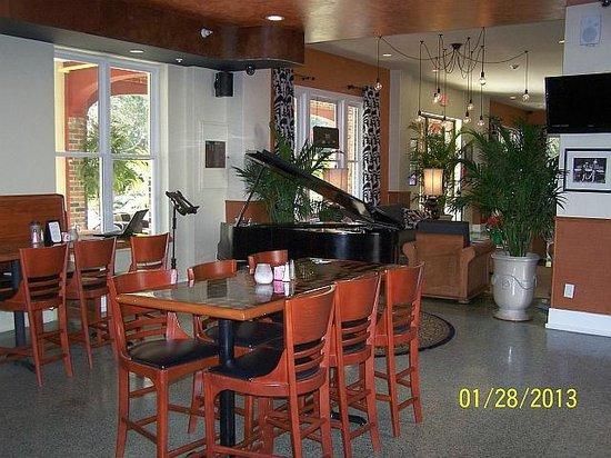 Hollander Hotel:                   Lounge Area
