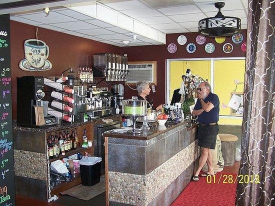 Hollander Hotel:                   Coffee Shop