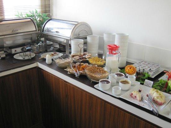 Ambassador Hotel:                                                       breakfast