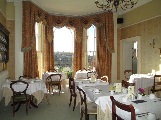 Apsley House Hotel:                                     Breakfast area