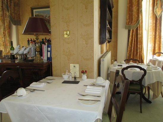 Apsley House Hotel:                                     Breakfast room
