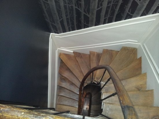 L'Hotel Particulier: Staircase