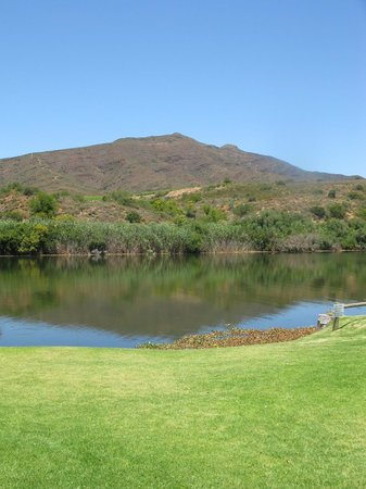 Viljoensdrift Wine Farm: across the river