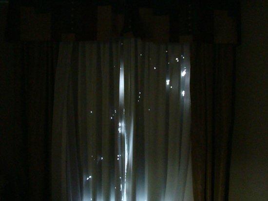 Verdunkelungsvorhang Schlafzimmer - Bild von Hampton Inn & Suites ...