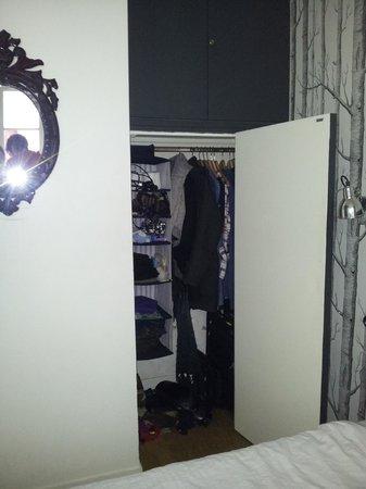 L'Hotel Particulier : good wardrobe