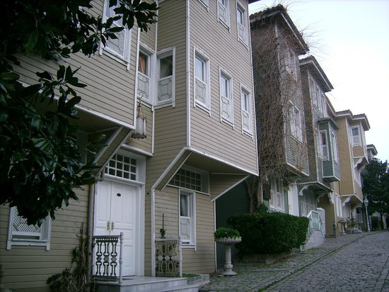 Sultanahmet-distriktet: Typical Turkish wooden houses