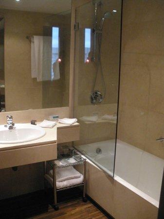 AC Hotel Cuzco: Baño