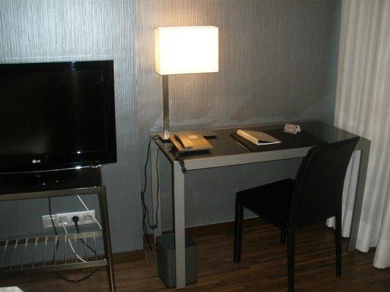 AC Hotel Cuzco : Escritorio de trabajo