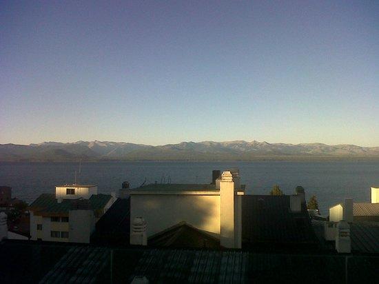 NH Bariloche Edelweiss:                                     vista desde la pileta!