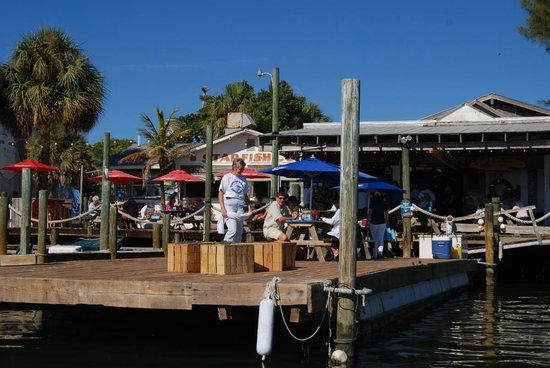 Star Fish Company Dockside Restaurant:                                     View from the lagoon