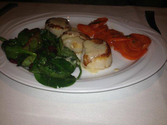 Mozaic Restaurant:                   Scallops with Vanilla Buerre Blanc