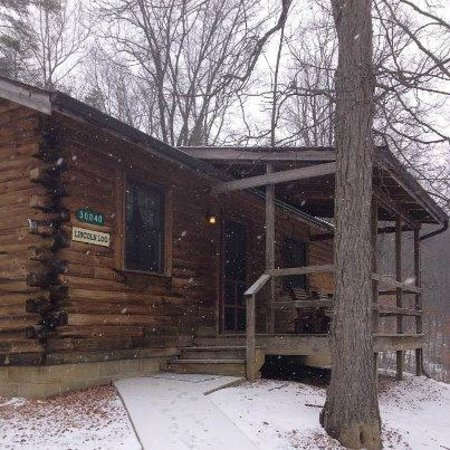 Sunrise Log Cabins:                   The Lincoln