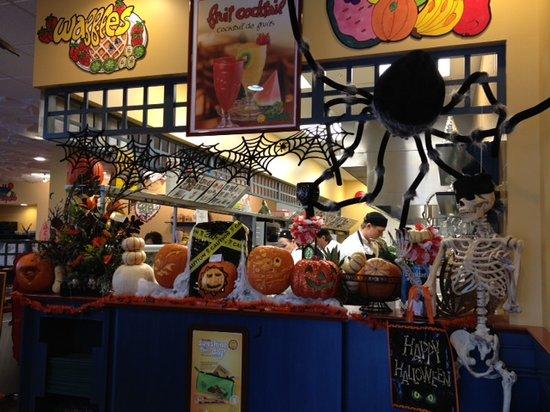 Cora: Happy Halloween