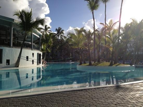 Hotel Riu Naiboa:                                     piscina Naiboa