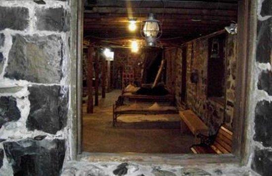 Pendleton, OR: Underground lodgings.