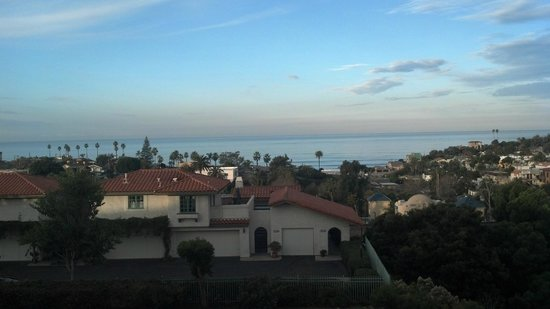 BEST WESTERN Encinitas Inn & Suites at Moonlight Beach:                   View from room