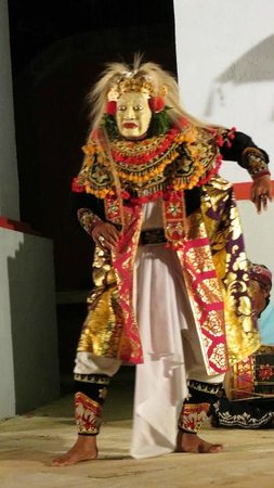 The Tanjung Benoa Beach Resort Bali :                                                       One of the Entertainers from the Ramada BB