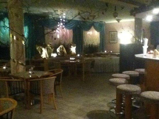 Hotel Haus Semmering:                   Kaffeehaus mit Betlehem Deko