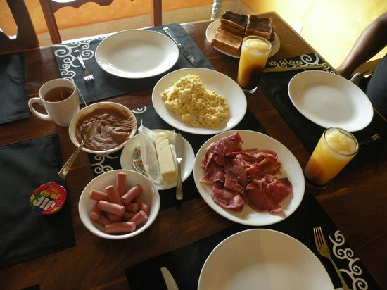 Grand Colony Island Villas:                   Our own home cooked breakfast.