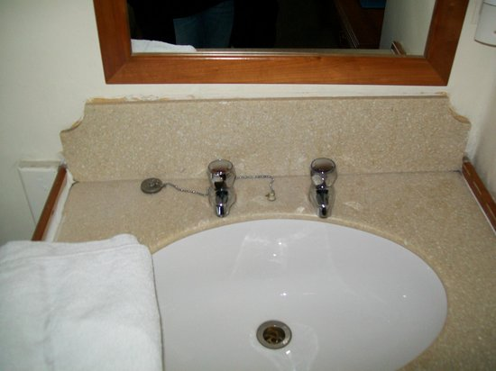 Umi London : lavabo de la chambre