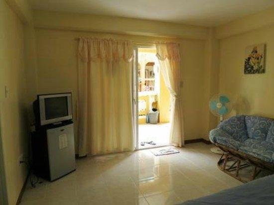 Sabang Oasis Resort:                   Ma chanbre, télé et frigo en parfait état