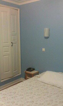 Hotel Audran:                   room