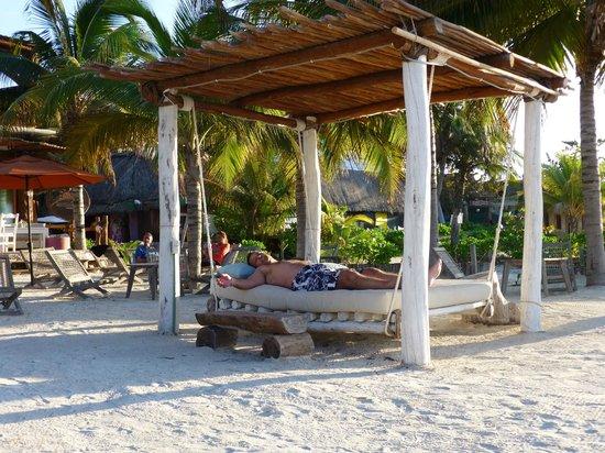 Holbox Hotel Casa las Tortugas - Petit Beach Hotel & Spa: Beach beds