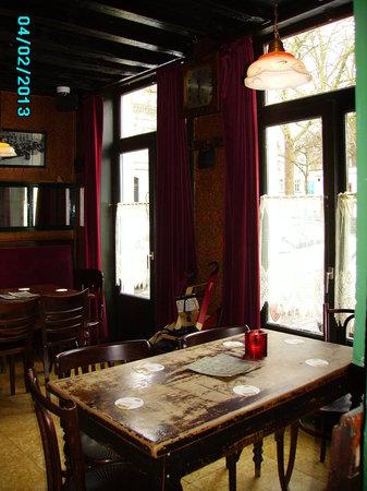 L'Estaminet Restaurant / Bisto table