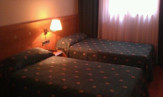 Acta Antibes: room