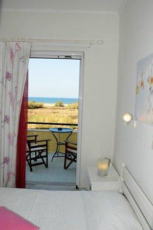 Villa Fleria Seaside Studios & Apts : Sea view balcony