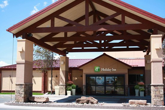 Holiday Inn Riverton - Convention Center: Hotel Exterior